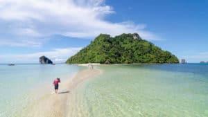 4 เกาะทะเลแหวก (เรือ SpeedBoat)